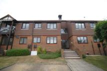 2 bedroom Flat in Fromow Gardens...