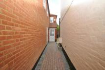 3 bedroom Flat in High Street, Bagshot