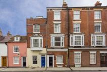 6 bedroom Terraced house to rent in Kent Road, Southsea