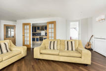 2 bedroom Apartment for sale in Arethusa House...