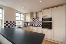 3 bedroom Flat to rent in South Worple Way, London