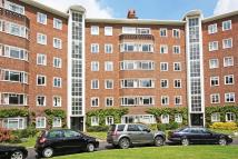 3 bed Apartment in Queens Road TW10