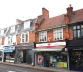 Flat to rent in Upper Richmond Road West...