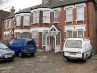 Flat to rent in Brownlow Road, London...