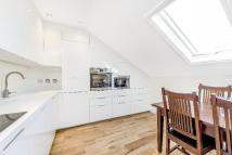 2 bedroom Flat in Roehampton Lane