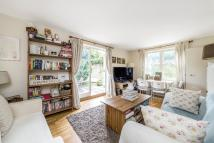 Flat to rent in Castelnau, Barnes