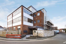 1 bed new Apartment to rent in Cowleaze Road...
