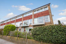 Apartment to rent in Manorgate Road...