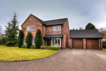 4 bedroom Detached property for sale in Knutsford Road, CW4