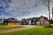 Detached home to rent in CHELFORD ROAD...
