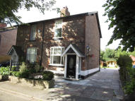 2 bedroom semi detached home to rent in Lime Grove, Altrincham...