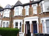 Ground Flat to rent in Malta Road, Leyton...