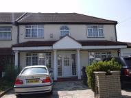 Flat in Edward Avenue, Chingford...