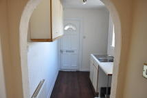 1 bedroom Flat to rent in TOWNFOOT, Irvine, KA11