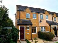 2 bedroom house in Siskin Close, Royston...