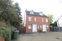 3 bedroom semi detached house to rent in Ravenswood Gardens...