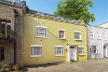 4 bedroom Mews in Rutland Mews South...