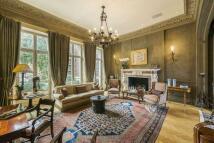 6 bed house in Ennismore Gardens...