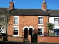 Terraced house to rent in Rugby, Warwickshire