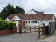Chalet for sale in Old Lane, Corton, NR32