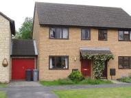 3 bed semi detached property to rent in Dovehouse Close, Eynsham...