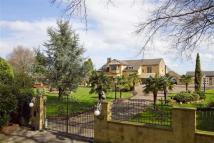 Detached home in Harefield Hall...