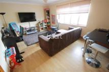 Flat to rent in Rush Green Road -...