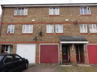 3 bedroom Town House in Summerton Way, London...