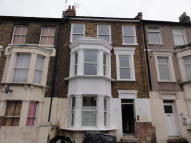 Flat to rent in Elmdene Road, London...