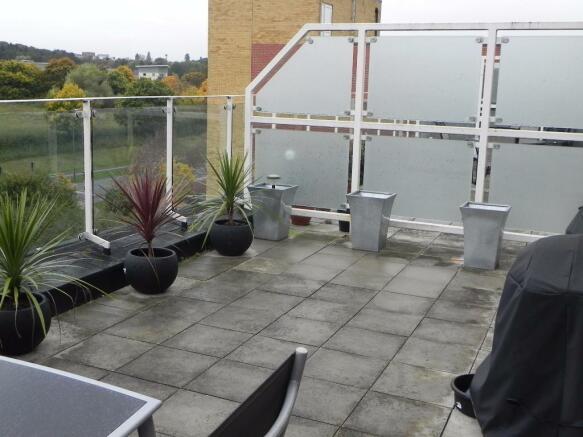 2 bedroom penthouse to rent in edinburgh gate harlow. Black Bedroom Furniture Sets. Home Design Ideas
