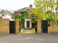 Detached property in Ancaster Lodge Queens...