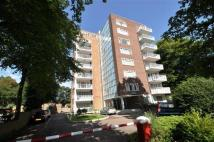 Flat to rent in The Hollies, Wanstead