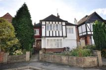 4 bedroom Detached house in Forest Close, Snaresbrook