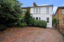 Flat in Elmcroft Avenue, Wanstead