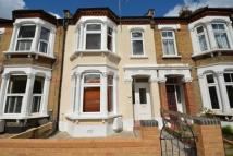 2 bed Terraced house to rent in Chaucer Road, Wanstead