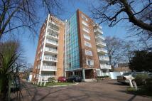 2 bedroom Flat to rent in New Wanstead, Wanstead...