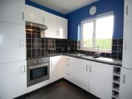 Flat to rent in Henry Road East Barnet