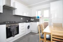 3 bedroom Flat in Bentham Court Islington
