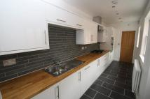 Flat to rent in Queensbury Street...