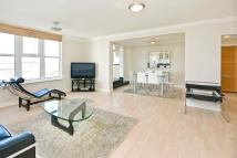 Flat to rent in Boydell Court St.Johns...