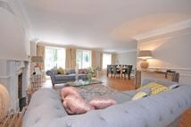 4 bed Flat to rent in Fitzjohn's Avenue...