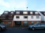 Flat to rent in Potters road Barnet