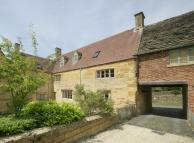 4 bedroom semi detached property to rent in Paxford...
