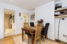 2 bedroom Ground Maisonette for sale in Acton Lane, W3