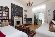 2 bed Ground Flat in The Vale, W3