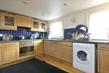 2 bedroom Flat in Shakespeare Road, W3