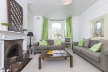 Flat for sale in Cumberland Park, W3