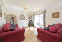 4 bed Terraced property to rent in Court Way, W3