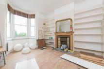 3 bedroom Flat to rent in Shakespeare Road, W3