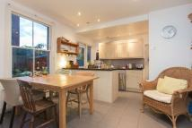 2 bedroom Flat to rent in Emmanuel Road, SW12